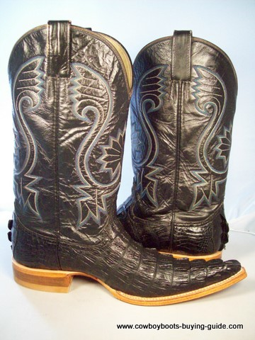 Buy Cowboy Boots: where to buy, online? And where else can I go to