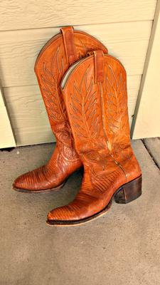 Get the best deals on used cowboy boots and save up to 70% off at Poshmark now! Whatever you're shopping for, we've got it.